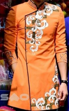 Vietnamese Men, Vietnamese Clothing, African Men Fashion, Asian Fashion, Mens Fashion, Vietnamese Traditional Dress, Traditional Dresses, Ethinic Wear, Painted Clothes
