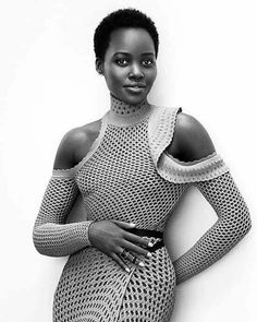 Lupita Nyong'o looks absolutely radiant on the April 2016 cover of InStyle Magazine. The actress gives the cold shoulder in a green Proenza Schouler top with… Black Is Beautiful, Beautiful People, Black Girls Rock, Black Girl Magic, African Beauty, African Fashion, Mode Blog, Instyle Magazine, Cosmopolitan Magazine