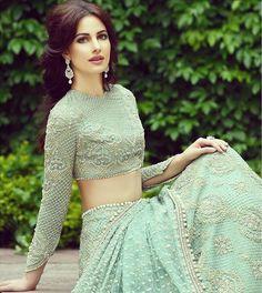 Faraz Manan spring bridal collection ___ what an exqusitive lehenga. Pakistani Wedding Dresses, Indian Wedding Outfits, Pakistani Bridal, Pakistani Outfits, Indian Dresses, Indian Outfits, Pakistani Couture, Indian Couture, Indian Bridal Wear