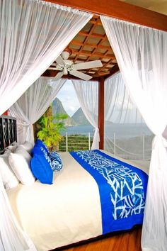 honeymoon bed decoration ideas with blue color for blanket