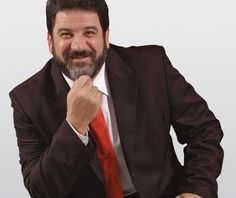 O filósofo, escritor e professor paranaense Mario Sérgio Cortella estará na Associação dos Empregado...