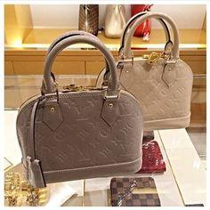 Luxury Handbags, Louis Vuitton Handbags, Fashion Handbags, Purses And Handbags, Fashion Bags, Leather Handbags, Cheap Handbags, Cheap Purses, Handbags Online