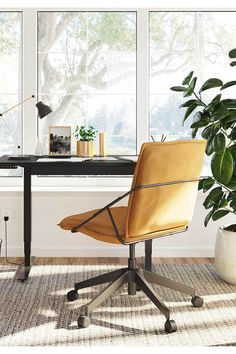 This small and stylish standing desk packs a ton of functionality into a compact space. Perfect for a small home office, the 6650 provides the features you need in a smaller footprint.