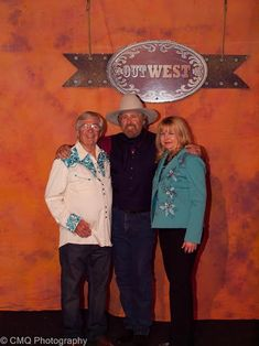 Western musician Tom Hiatt with Jim and Bobbi Jean Bell, SCVTV Presents The OutWest Concert Series June 2016 Country Music, Equestrian, Toms, June, Presents, Concert, Photography, Fotografie, Photograph