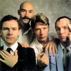 King Crimson: who (besides me) remembers this band? Fantastic.