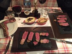 Fleisch im Ampulle - Dry Gin & Beef Club in Stuttgart. Lust Restaurants zu testen und Bewirtungskosten zurück erstatten lassen? https://www.testando.de/so-funktionierts