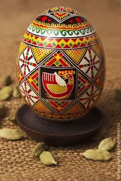 Painted Easter egg by UniqueEasterEggs Ukrainian Easter Eggs, Egg Designs, Egg Art, Egg Decorating, Egg Shells, Origami, Arts And Crafts, Hand Painted, Watercolor