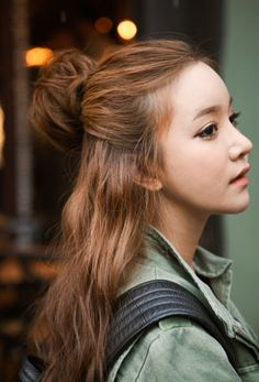 15 Best Korean Hairstyles For Girls Side Ponytail