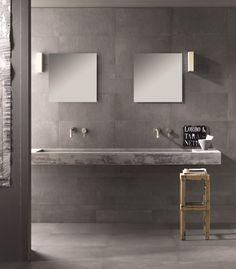 Collezione DOCKS #abkemozioni. La materia ceramica è protagonista in questo ambiente, nel colore Black, in vari formati sapientemente mescolati. #ceramic #tiles #gres #porcellanato #homedesign #bathroom