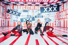 Mamamoo released their full album titled reality in BLACK on November The song Hip serves as the title track. Here are the concept photos of the Mamamoo members for the reality in BLACK album. J Pop, Kpop Girl Groups, Korean Girl Groups, Kpop Girls, Dream Pop, Incheon, Nct 127, Shinee, Mtv