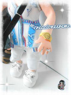 Reloj de fofucha realizado en goma eva  muñeca-goma-eva-personalizadas-fofucho –con-barriguita-fofucho-gordito-fofuchas-cuerpo-tallado