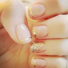 Image via Nail Designs for Short Nails Gold Glitter. Image via Black and gold glitter nail art for dinner at a restaurant. Image via Beautiful golden manicure with glitter. Cute Nails, Pretty Nails, Sexy Nails, Classy Nails, Gorgeous Nails, Amazing Nails, Essie, Nail Art Noel, Nailed It
