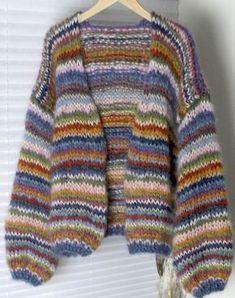 Knitting Cardigan Diy Style 22 New Ideas Knitting Stiches, Easy Knitting, Knit Fashion, Sweater Fashion, Cardigan Pattern, Knit Cardigan, Angora, Knitting Projects, Knitting Patterns