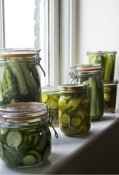 Williams-Sonoma Free Technique Classes this weekend: Pickling & Canning