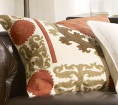 Throw Pillow Inserts Pottery Barn : 1000+ images about Our new livingroom redo on Pinterest Recliners, Ashley Furniture Industries ...