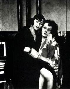 Marlene Dietrich, Berlin, late 1920s Marlene Dietrich, Weimar, Rita Hayworth, Old Hollywood Movies, Classic Hollywood, Cabaret, Jane Russell, Gene Kelly, People Of Interest