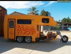 flamin' camper trike (WE ALL would like to know where this trike is.And a whole bunch of pictures of the interior,as well as engine and trans,running gear,etc. Custom Trikes, Custom Motorcycles, Trike Motorcycles, Truck Camper, Camper Trailers, Hd Fatboy, Motorcycle Campers, Motorcycle Travel, Bike Motor