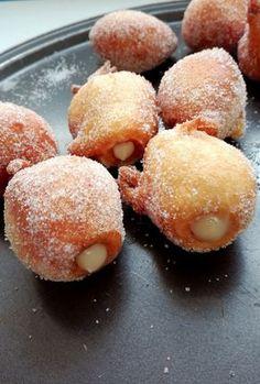 Donut Recipes, Fruit Recipes, Dessert Recipes, Cooking Recipes, Bunuelos Recipe, Funnel Fries, Venezuelan Food, Sweet Cooking, Homemade Donuts