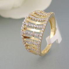 Ring mit Zirkoniabesatz in 585-/14k. Weiß-Gelbgold