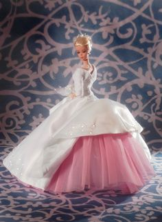 Classic Barbie Wedding Gown! http://www.masterstrokecanada.com/dressmakerdetails