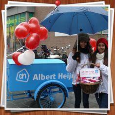 De promogirls van Albert Heijn verrassen de inwoners van Beveren op valentijnsdag!