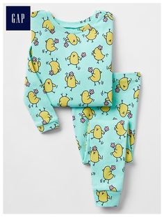 Toddler girl pajamas from Gap are made from super soft cotton, polyester and organic cotton. Shop toddler girl nightgowns, robes, and pajamas at Gap. Spring Girl, Sleep Set, Girls Pajamas, Toddler Girl Outfits, My Princess, Baby Gap, New Baby Products, Organic Cotton, Clothes