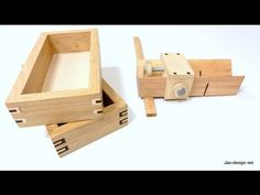 Easy to Make Jig and How to Build Boxes with Decorative Splines - YouTube