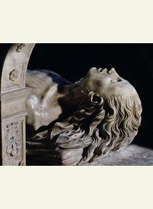 Détail du tombeau de Louis XII et d'Anne de Bretagne (gisant de la reine) attribué aux frères Juste, originaires de Florence, 1515-1531. Le transi est réalisé d'après le moulage à la cire du cadavre pendant l'embaumement.