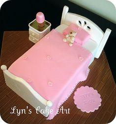 Fancy Cakes, Cute Cakes, Bed Cake, Christmas Cake Decorations, Gateaux Cake, Birthday Cake Girls, Birthday Cakes, Unique Cakes, Novelty Cakes