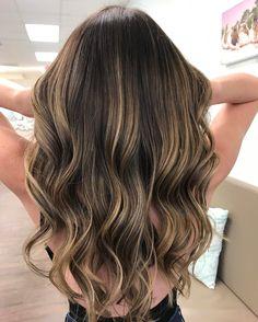 """981 """"Μου αρέσει!"""", 9 σχόλια - Balayage And Haircolor ❤️ (@balayagedandpainted) στο Instagram: """"Gorgeous lived in color painted by @thebeautytrunk"""""""