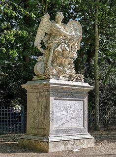 Chateau Versailles, Versailles Garden, Palace Of Versailles, Louis Xiv, Paris At Night, French History, Montmartre Paris, Paris Paris, Ireland Landscape