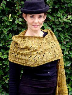 over firth of forth convertible shawl by bunnymuff. malabrigo Finito ( or Twist). Mostaza colorway.