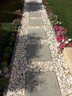 12 Beautiful Front Yard Pathway Landscaping Ideas