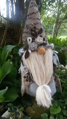 another beard idea Scandinavian Gnomes, Scandinavian Christmas, Christmas Gnome, Christmas Ornaments, Holiday Crafts, Holiday Decor, Xmas Decorations, All Things Christmas, Craft Fairs