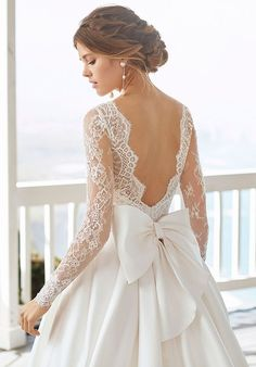 Classic beaded lace and sienna wedding dress and train. Bateau neckline with long sleeves and low back with extravagant lace. Source by stephanieseib wedding dress Asos Wedding Dress, Rosa Clara Wedding Dresses, Wedding Dress Low Back, Classic Wedding Dress, Wedding Dress Sleeves, Long Wedding Dresses, Colored Wedding Dresses, Bridal Dresses, Gown Wedding