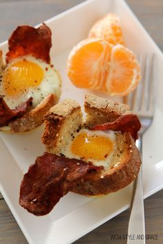 Eggs, Bacon & Gluten-free Toast Cups, what a fun little idea. I can have fun making it and eating it :)