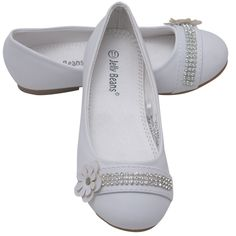 Update her wardrobe with this dazzling flats from Jelly Beans. Leatherette white shoes designed with a round toe front, rhinestone tape and double layered flower adorning the vamp, the perfect choice for formal or casual wear. Padded insole for comfort an