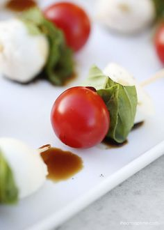 Caprese kabobs -an easy, no-cook, make ahead and delicious appetizer for any party!