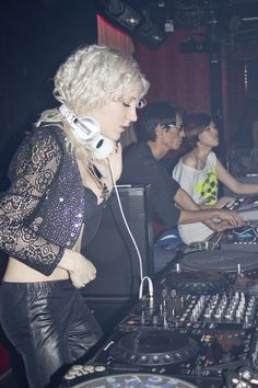 Amazing music with best female dj MIRJAMI :) #EDM #DJ #ASIA #RAVE