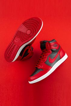 Dressed in a Varsity Red, Summit White, and Black color scheme. This Air Jordan 1 features a Black upper with Red leather overlays atop a White midsole and Red rubber outsole. Dr Shoes, Kicks Shoes, Nike Air Shoes, Hype Shoes, Sneakers Nike, Mens Shoes Jordans, Jordans For Men, Nike Socks, Jordan Sneakers