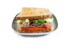 Sándwich de lechugas y jamón serrano / Más recetas e información sobre la alimentación en personas con diabetes en: www.fundaciondiabetes.org