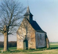File:Old-country-church-autumn-colors-sky
