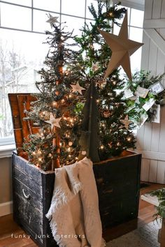 old boxes, old trunks, primitive christmas, antique trunks, country christmas, rustic christmas, old crates, christmas trees, front porches