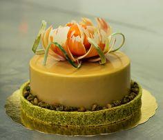 Calamansi, pistachio, caramelized white chocolate
