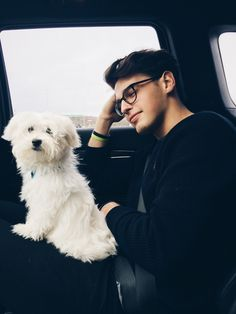 Uploaded by jana. Find images and videos about boy and blake steven on We Heart It - the app to get lost in what you love. Cute Guys With Glasses, Beautiful Boys, Pretty Boys, Le Rosey, Blake Steven, Photography Poses For Men, Boys Dpz, Flirt, Tumblr Boys