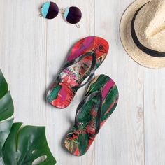 nat. melting flip flops Summer On You, Vibrant Colors, Colours, Saturated Color, Textile Prints, Black Rubber, Staycation, Soft Fabrics, Flip Flops