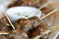 meatball-skewers-dipping-sauce-food-photographer