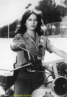 What she would have looked like on a bike; 70s Tv Shows, Cartoon Tv Shows, Classic Tv, Classic Movies, Classic Bikes, Larry Wilcox, Superman, Female Cop, Female Police Officers