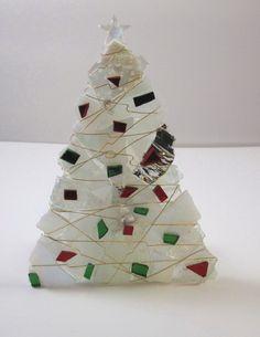 Christmas Tree in White por glassartelements en Etsy