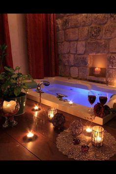 We have a Jacuzzi bath in our new home, with a flat area around it similar to this. I like the idea of candles surrounding it, being when I need to relax the Jacuzzi is where I'm at.The candles would make it that much more relaxing. Romantic Bathrooms, Dream Bathrooms, Romantic Home Decor, Romantic Homes, Romantic Night, Romantic Candles, Romantic Places, Massage Place, Face Massage